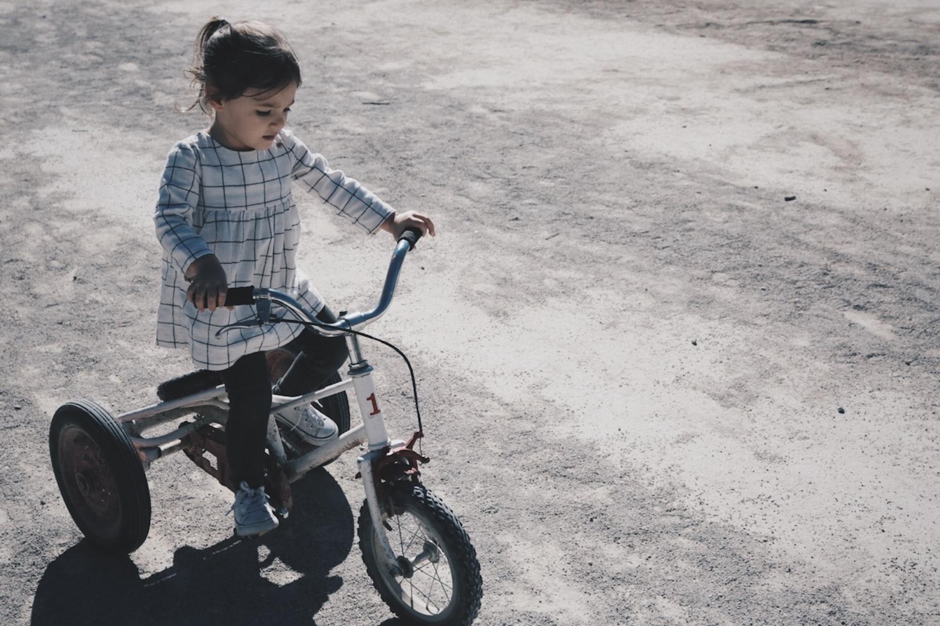 Faire du vélo avec des enfants
